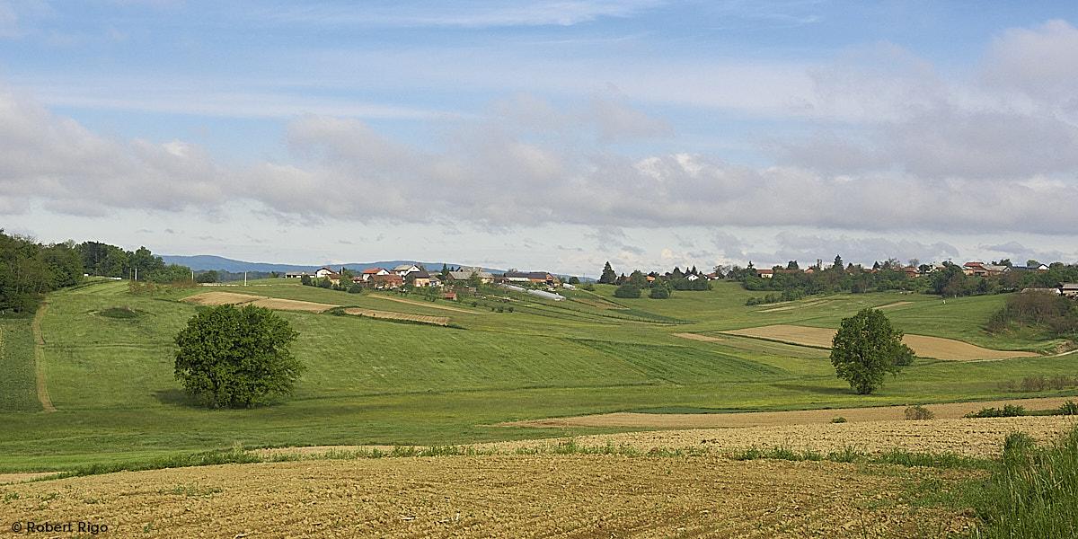 Brojna mjesta razmještena su po brežuljcima i brdima s kojih se lijepo vidi okolica (15.5.2021.)